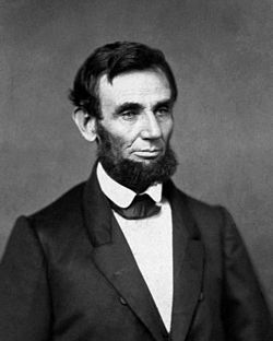 250px-abraham_lincoln_o-552c_1861-crop